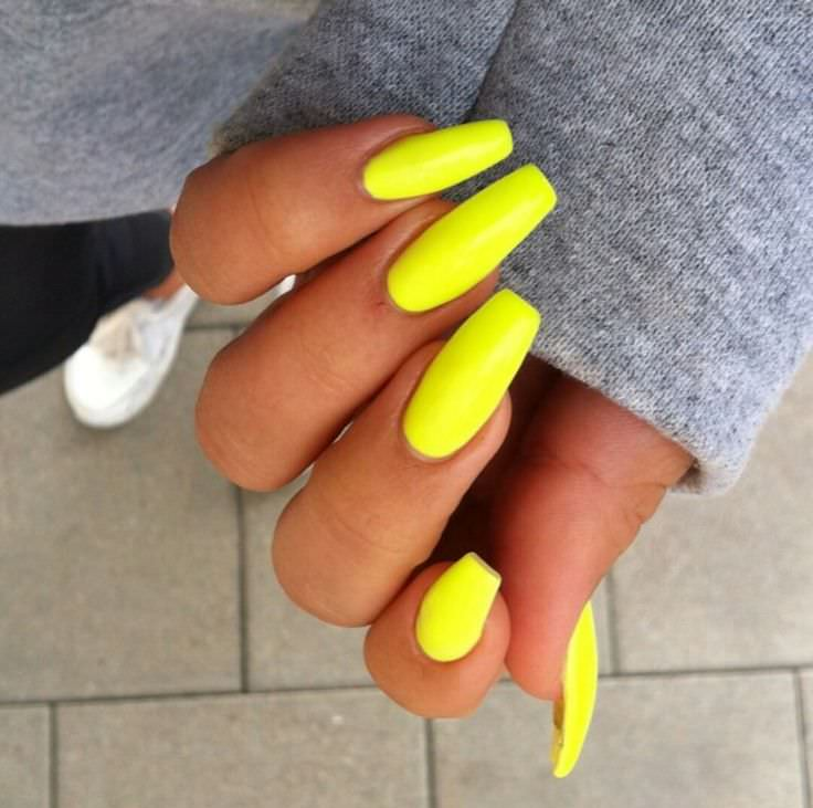 Pure Yellow Nail Design In Right Hand