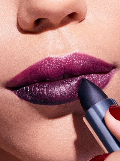 maybelline-makeup-trends-holiday-midnight-kiss-macro-step-4-3x4