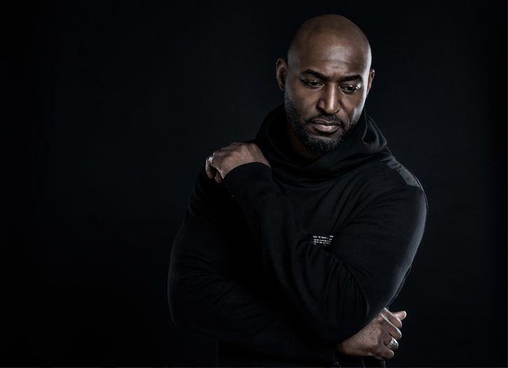 Adrian Holmes on His Role in Netflix's 'V Wars,' Producing, & Much More!