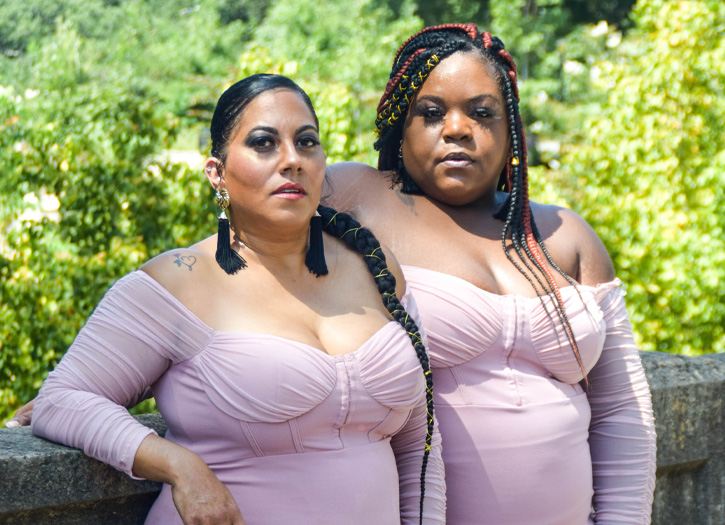 Mom pics curvy Modest Moms
